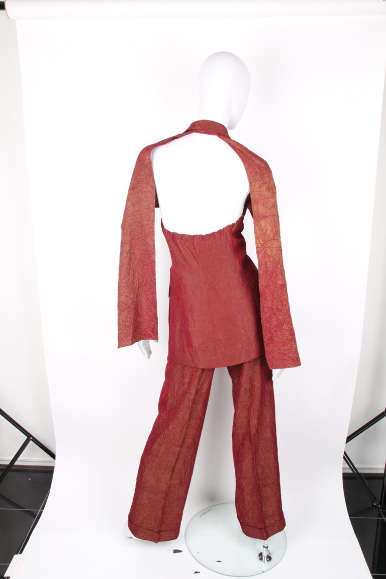 Jean Paul Gaultier backless two-piece suit in red iridescent crinkle rayon For Sale 6