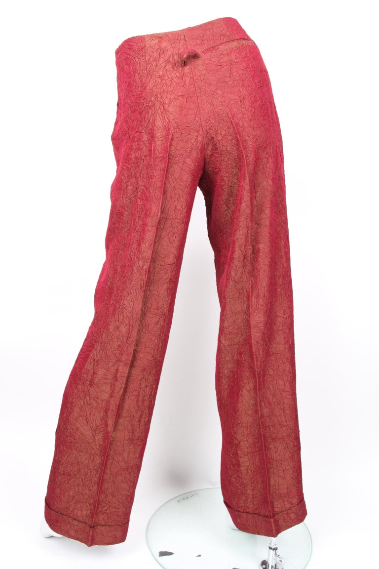Jean Paul Gaultier backless two-piece suit in red iridescent crinkle rayon In Excellent Condition For Sale In Baarn, NL