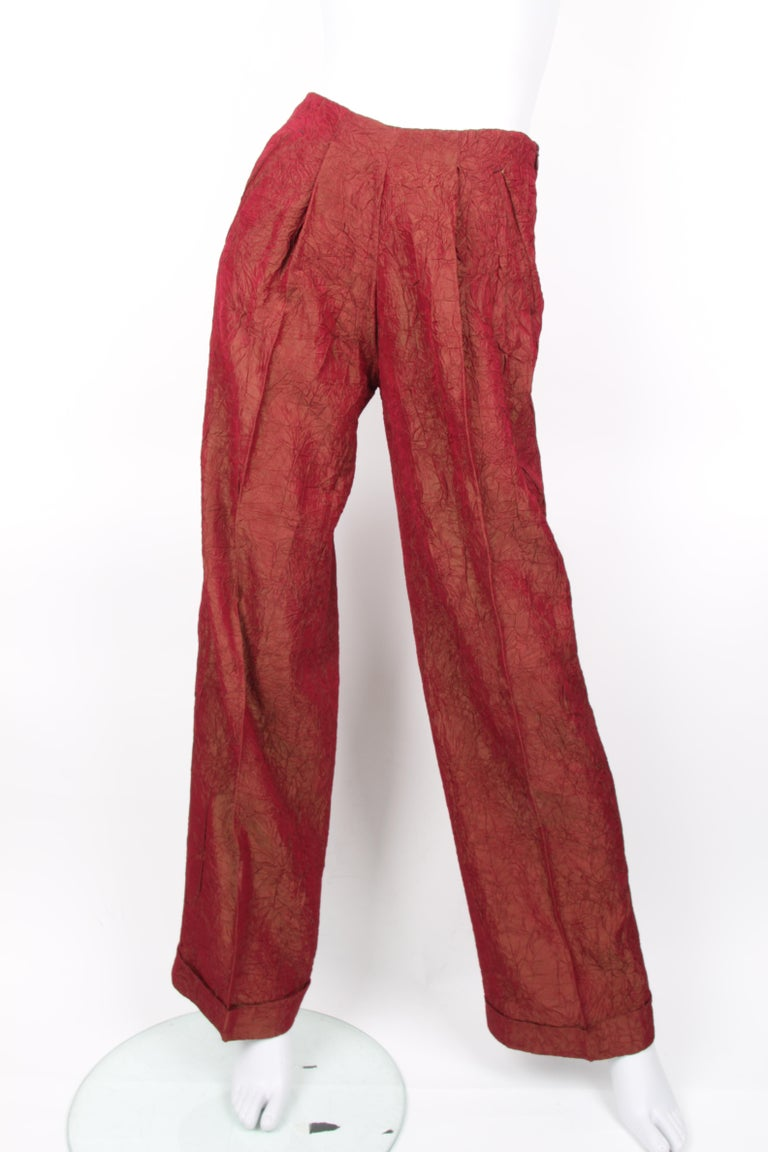 Jean Paul Gaultier backless two-piece suit in red iridescent crinkle rayon For Sale 1