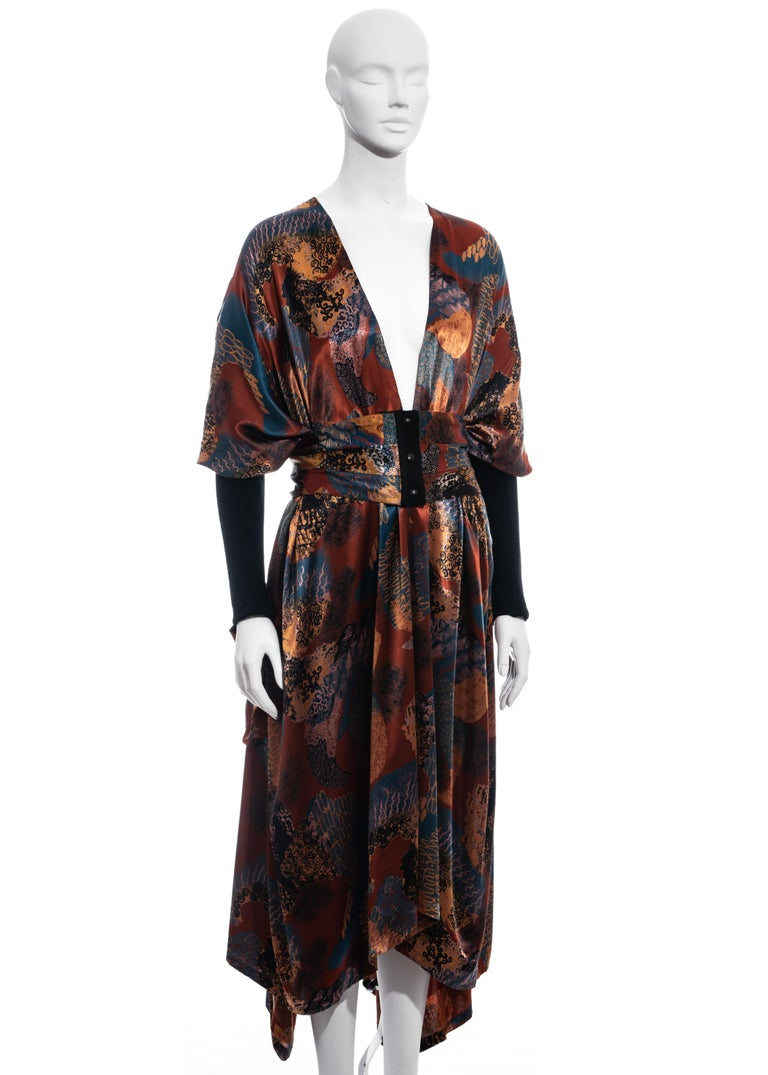 ▪ Jean Paul Gaultier multicoloured satin evening robe  ▪ Matching pleated cummerbund with snap buttons  ▪ Black wool fitted sleeves  ▪ IT 40 - FR 36 - UK 8 - US 4 ▪ Fall-Winter 1984