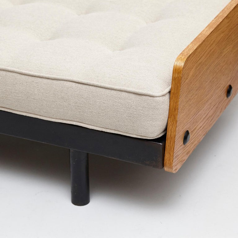 Jean Prouve Daybed in Black Metal and Wood, circa 1950 For Sale 5