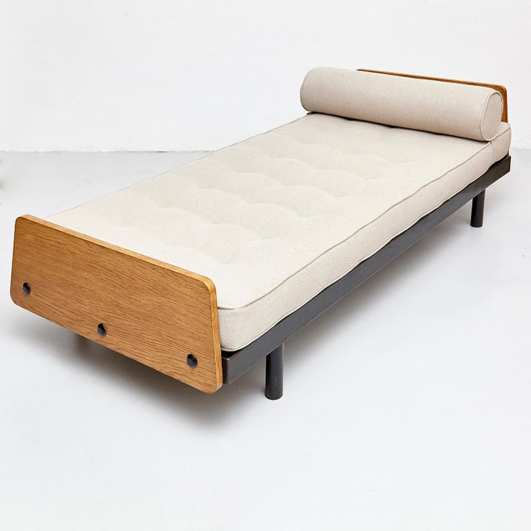 French Jean Prouve Daybed in Black Metal and Wood, circa 1950 For Sale