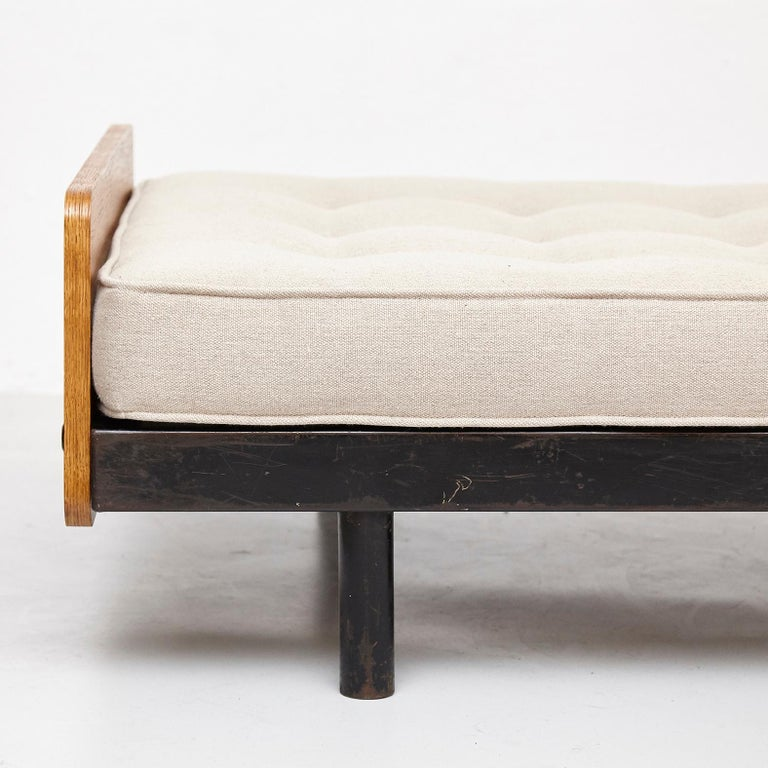 Jean Prouve Daybed in Black Metal and Wood, circa 1950 For Sale 3