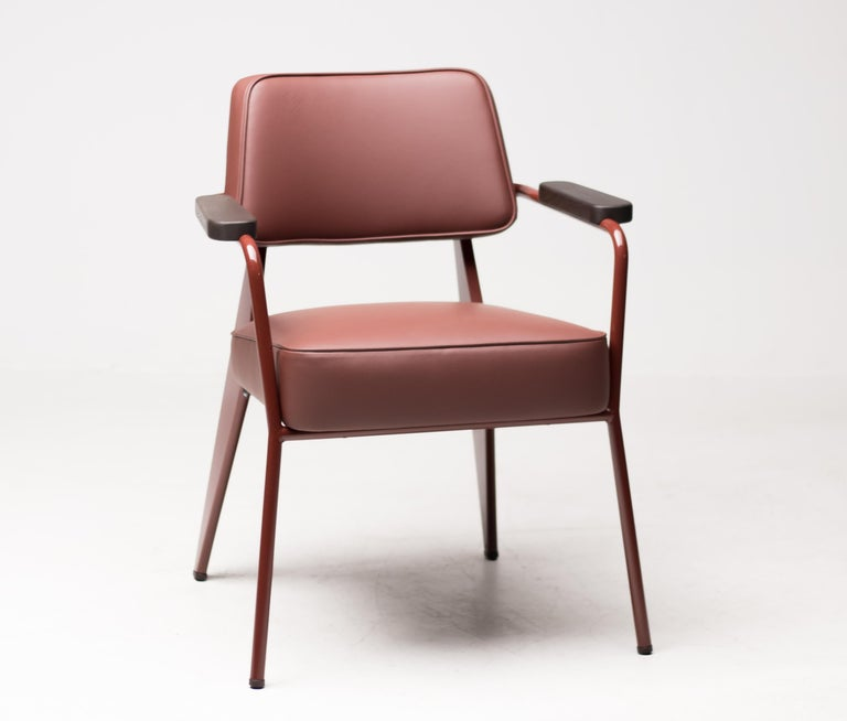 Fauteuil Direction designed by Jean Prouvé in 1951 and made by Vitra. The Fauteuil Direction is especially suited for dining room seating or as an armchair in home offices. The design reflects Jean Prouvé's characteristic aesthetic vocabulary,