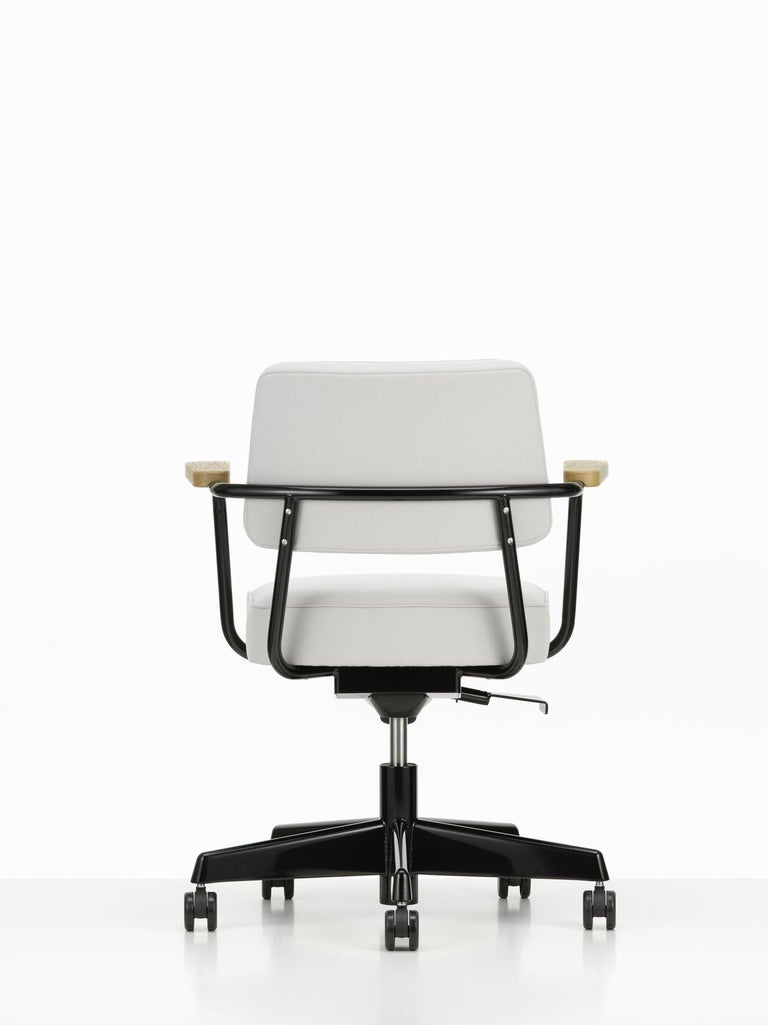 Jean Prouvé Fauteuil Direction Pivotant Office Chair by Vitra In New Condition For Sale In Barcelona, Barcelona