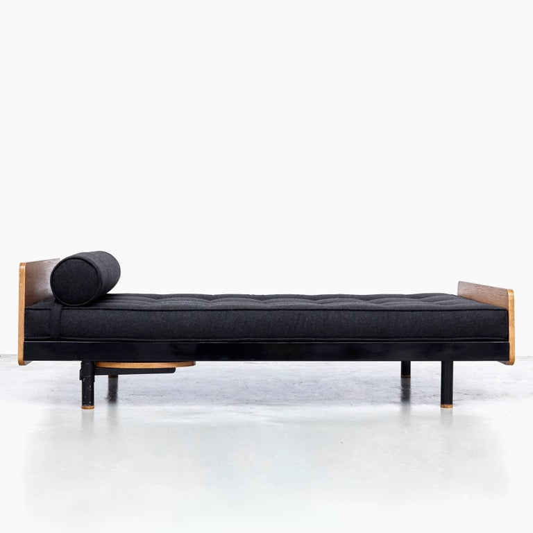 Mid-Century Modern Jean Prouve Mid Century Modern Metal Black SCAL French Daybed, circa 1950 For Sale