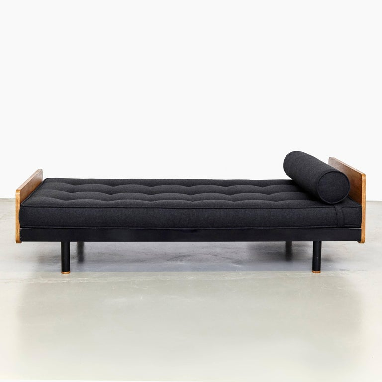 Jean Prouve Mid Century Modern Metal Black SCAL French Daybed, circa 1950 For Sale 4