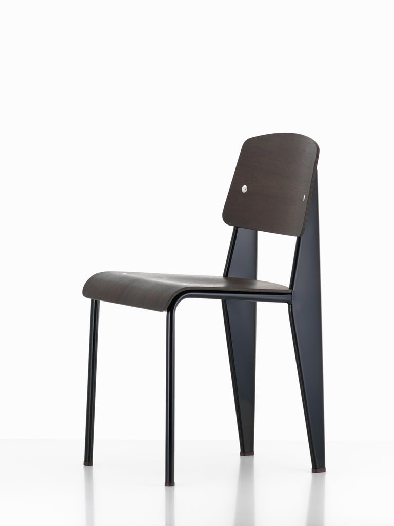 Jean Prouvé Standard Chair in Dark Oak and Ecru White Metal for Vitra For Sale 3