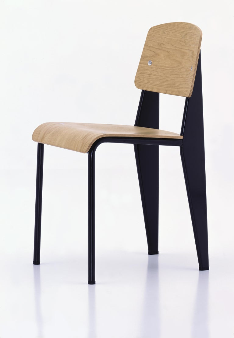 Jean Prouvé Standard Chair in Dark Oak and Ecru White Metal for Vitra For Sale 4