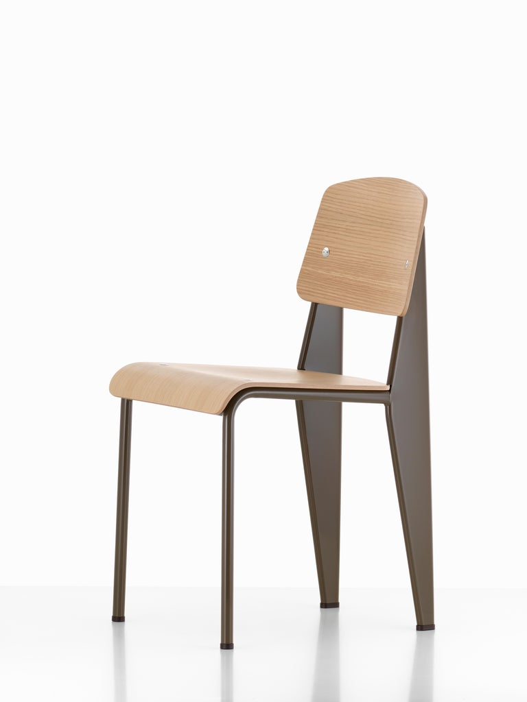 Jean Prouvé Standard Chair in Dark Oak and Ecru White Metal for Vitra For Sale 6