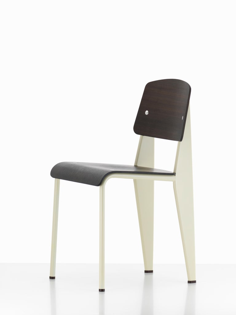 Jean Prouvé Standard Chair in Natural Oak and Ecru White Metal for Vitra For Sale 4