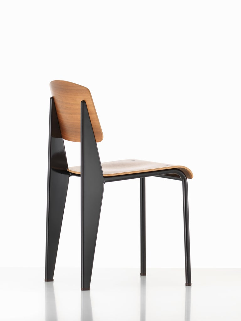 Jean Prouvé Standard Chair in Natural Oak and Red Metal for Vitra For Sale 8