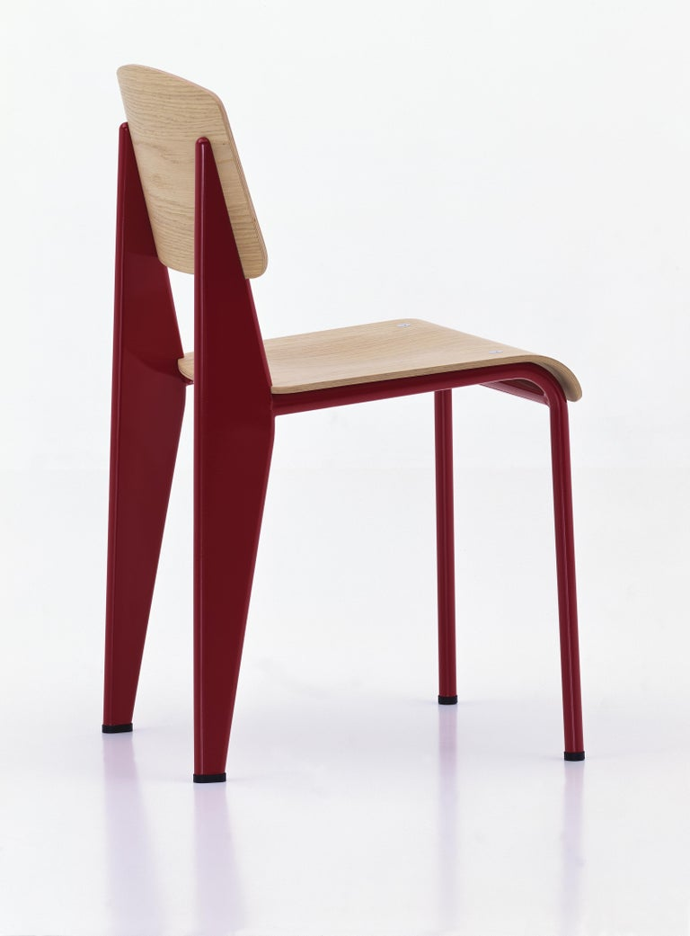 Mid-Century Modern Jean Prouvé Standard Chair in Natural Oak and Red Metal for Vitra For Sale