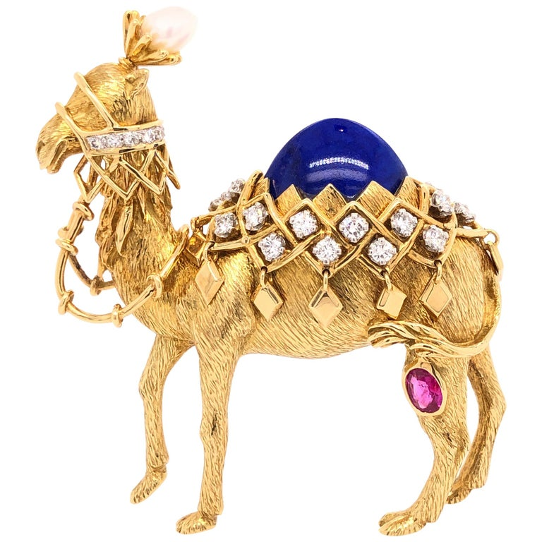 Jean Schlumberger for Tiffany & Co. Yellow Gold Camel Pin For Sale
