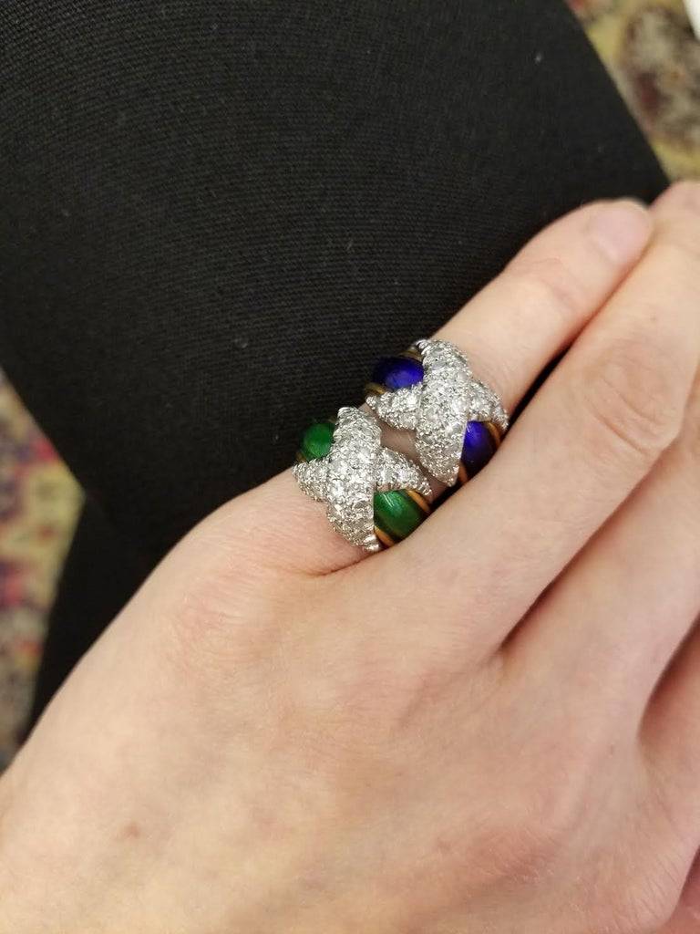 Jean Schlumberger Mid-Century Gold, Enamel, and Diamond Paired Pinkie Rings For Sale 2