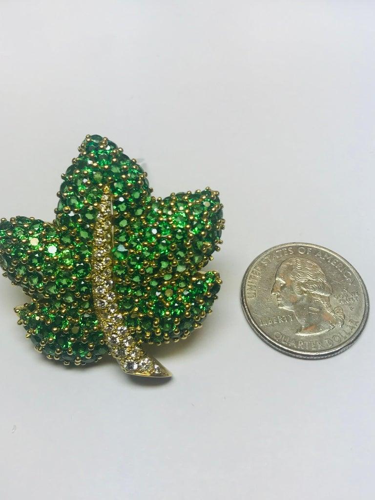 Women's or Men's Jean Vitau 18 Karat Tsavorite Garnet and Diamond Maple Leaf Brooch For Sale