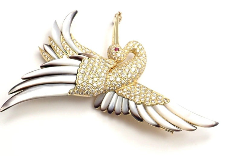 Jean Vitau Diamond Mother of Pearl Large Stork Yellow Gold Brooch For Sale 3