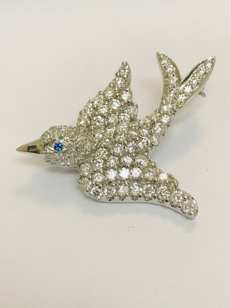 Jean Vitau Platinum Diamond Dove Bird Brooch with Blue Sapphire Eye In New Condition For Sale In New York, NY