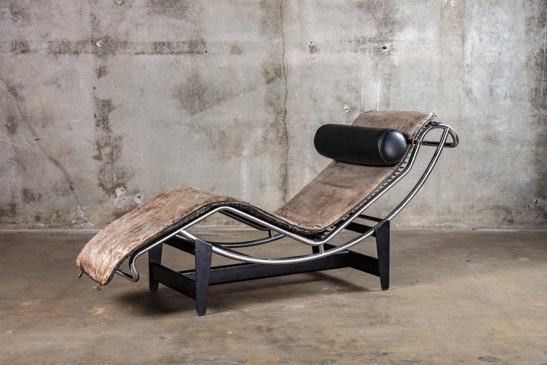 Mid-Century Modern Jeanneret and Le Corbusier LC4 Chaise Lounge For Sale