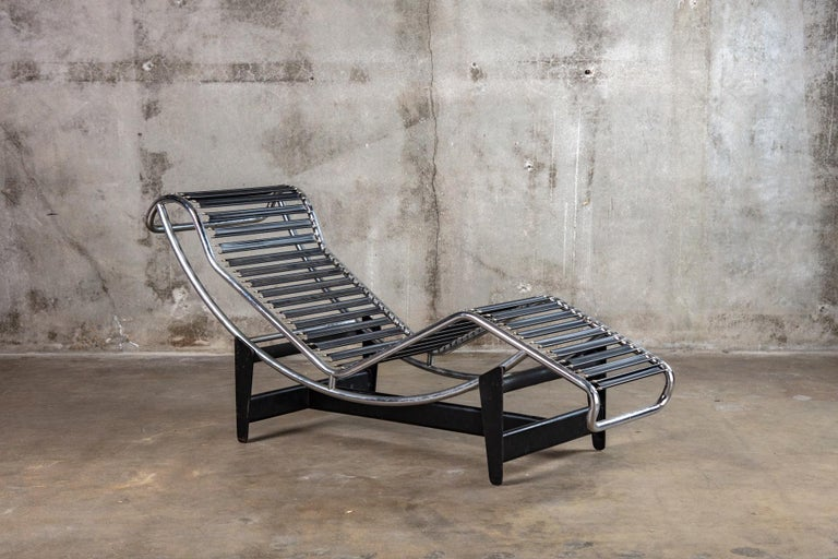 French Jeanneret and Le Corbusier LC4 Chaise Lounge For Sale
