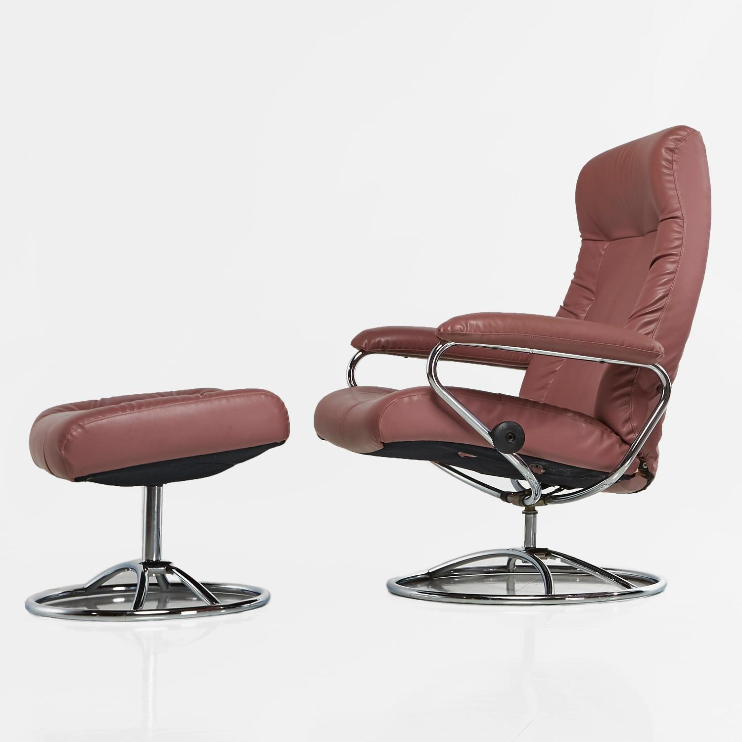 J E Ekornes Stressless Recliner Swivel Rose Leather Lounge Chairs And Ottoman At 1stdibs