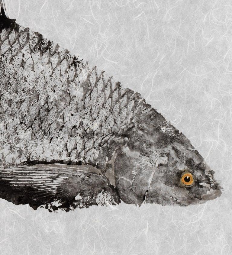 Black Grassie, Yellow Eye - Japanese Style Gyotaku Yellow Eyed Fish Painting  - Beige Animal Painting by Jeff Conroy