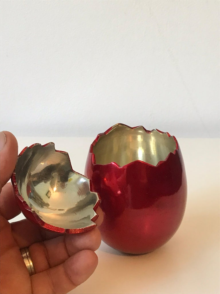 Contemporary After Jeff Koons Small Cracked Egg Sculpture Invitation, 2008