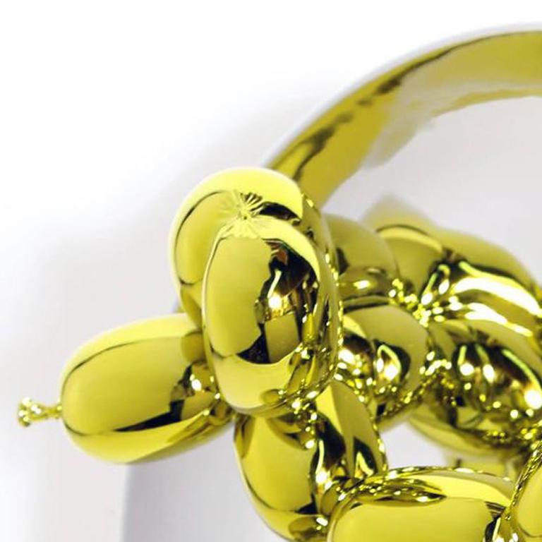 BALLOON DOG (YELLOW) - Beige Figurative Sculpture by Jeff Koons