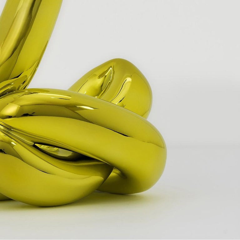 Balloon Swan (Yellow) - Contemporary Sculpture by Jeff Koons