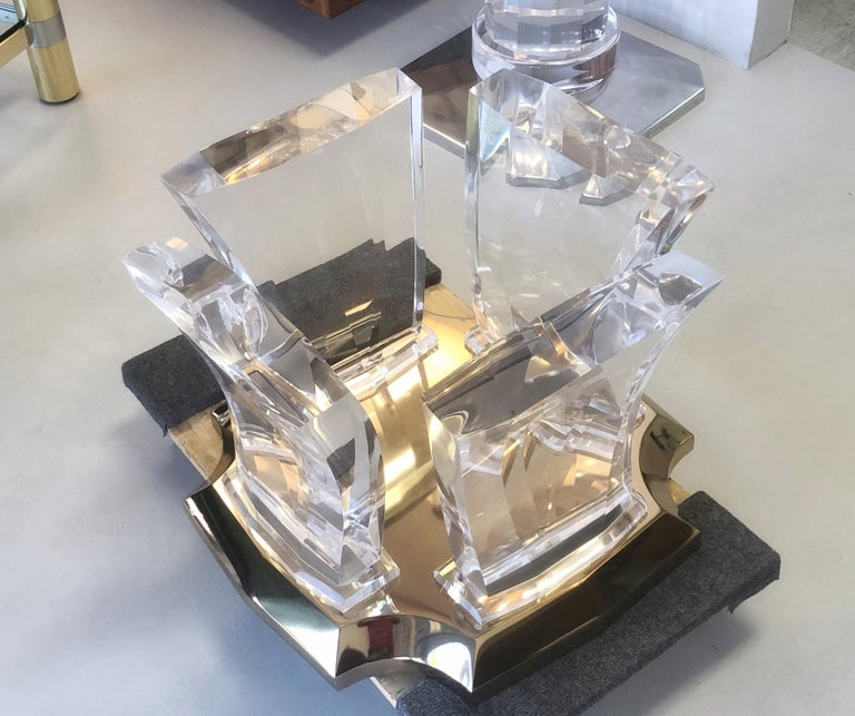 Jeffrey Bigelow Lucite and Brass Coffee Table In Good Condition For Sale In Miami, FL