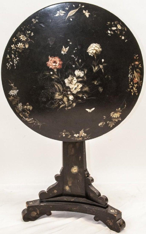 Lacquered Jennens & Bettridge 19th-Century Victorian Tilt-Top Table, British Antique For Sale