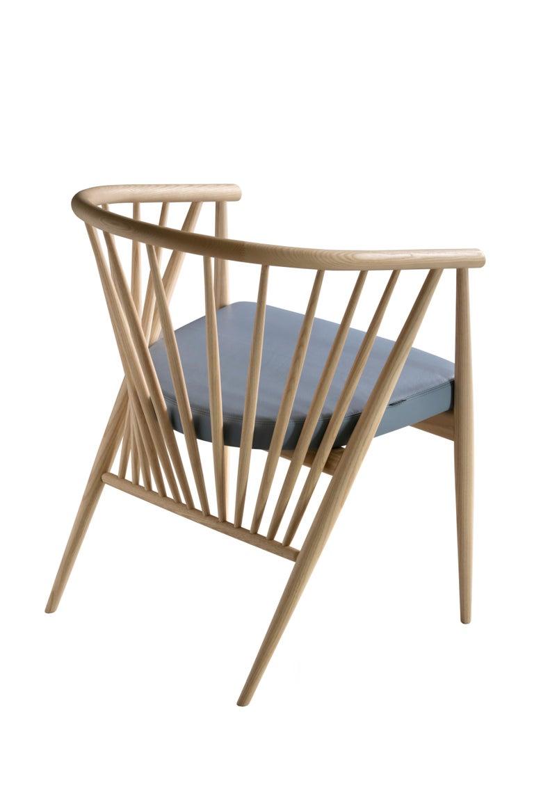 Jenny Contemporary Gepolsterter Sessel aus Hand-gedrechseltem Eschenholz 3