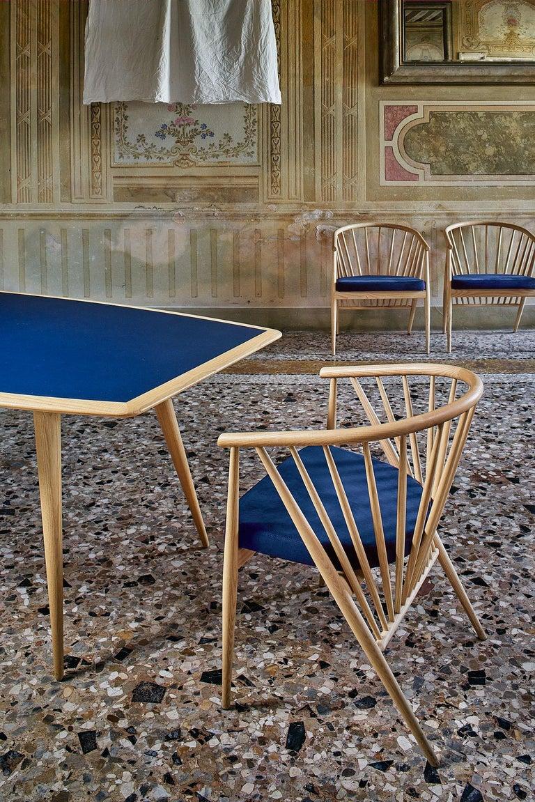 Jenny Contemporary Gepolsterter Sessel aus Hand-gedrechseltem Eschenholz 5