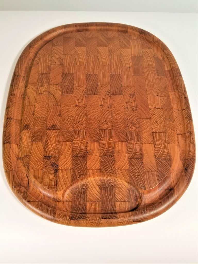 Jens Quistgaard JHQ for Dansk Teak Midcentury Serving Board In Excellent Condition For Sale In New York, NY