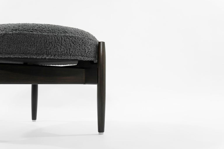 Jens Risom A-Line Lounge Chair and Ottoman in Bouclé, circa 1950s 4