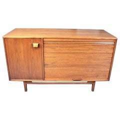Jens Risom Attributed Mid-Century Modern Walnut Credenza with Tambour Door