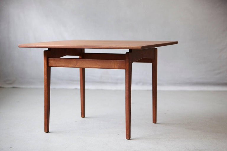 Mid-Century Modern Jens Risom Floating Square Walnut Coffee Table For Sale