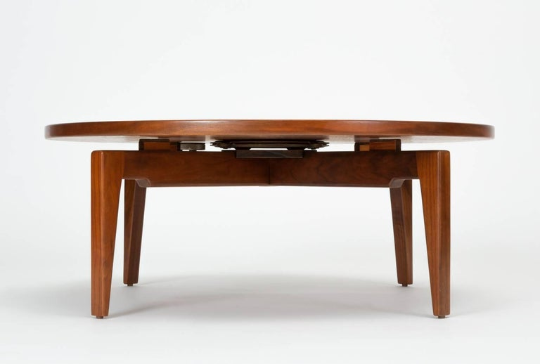 Jens Risom Lazy Susan Coffee Table In Excellent Condition For Sale In Los Angeles, CA