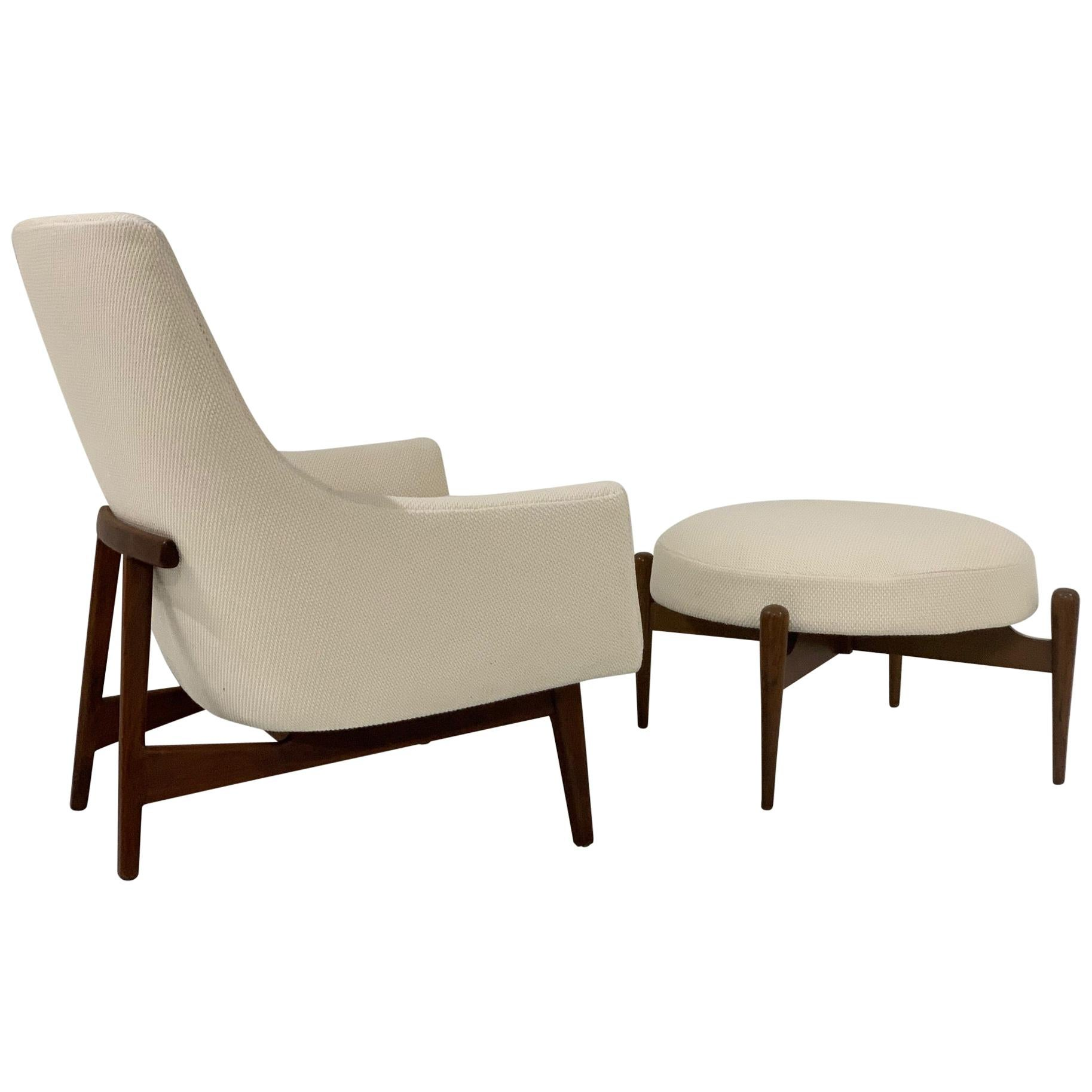 Jens Risom Lounge A-Chair and Matching Ottoman Model 6540