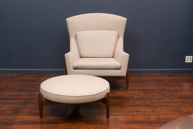 Mid-Century Modern Jens Risom Lounge Chair and Ottoman For Sale