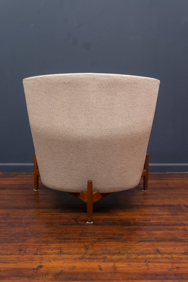 Jens Risom Lounge Chair and Ottoman For Sale 2