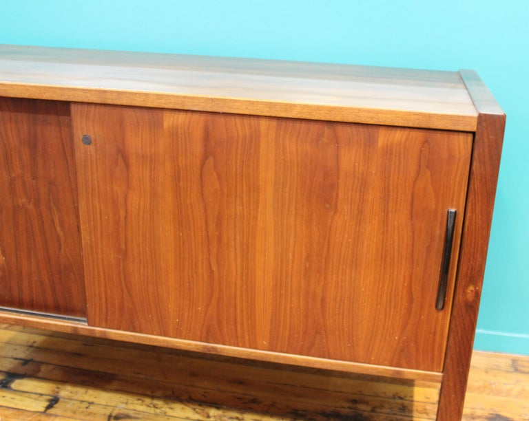 Jens Risom Mid-Century Modern Teak Credenza In Good Condition For Sale In New York, NY