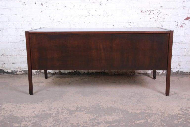 Jens Risom Mid-Century Modern Walnut Executive Desk, 1960s For Sale 6