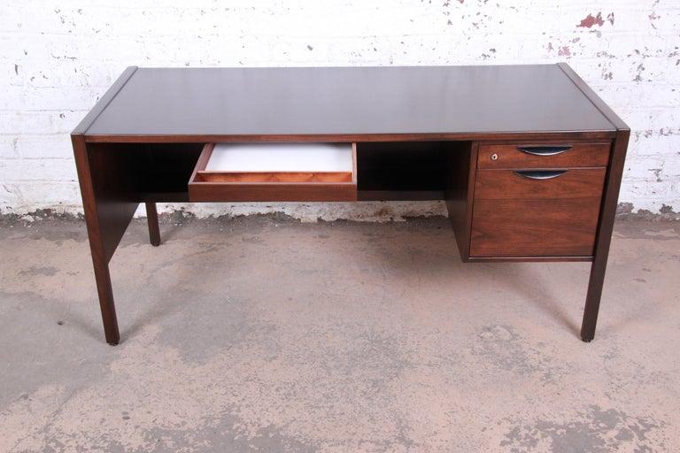 Mid-20th Century Jens Risom Mid-Century Modern Walnut Executive Desk, 1960s For Sale