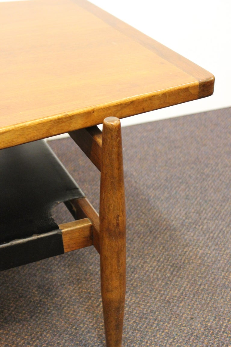 Jens Risom Mid-Century Modern Walnut and Leather Coffee Table For Sale 5