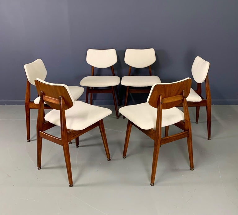 Mid-Century Modern Jens Risom Midcentury Walnut Dining Chairs, a Set of Six For Sale
