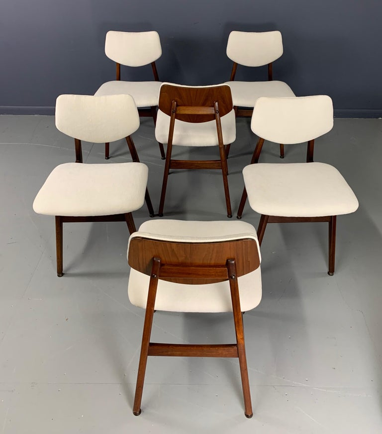 European Jens Risom Midcentury Walnut Dining Chairs, a Set of Six For Sale