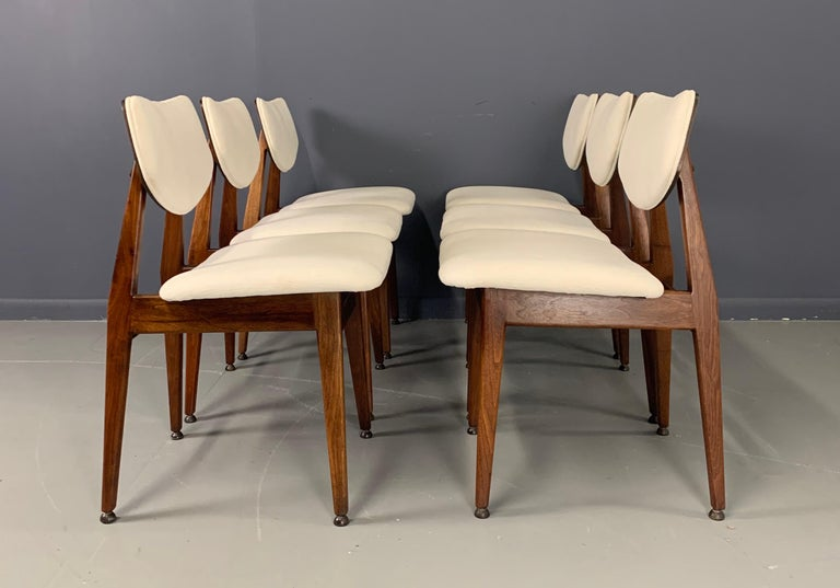 Jens Risom Midcentury Walnut Dining Chairs, a Set of Six For Sale 2
