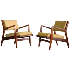 Jens Risom Pair of Midcentury Walnut Lounge Chairs