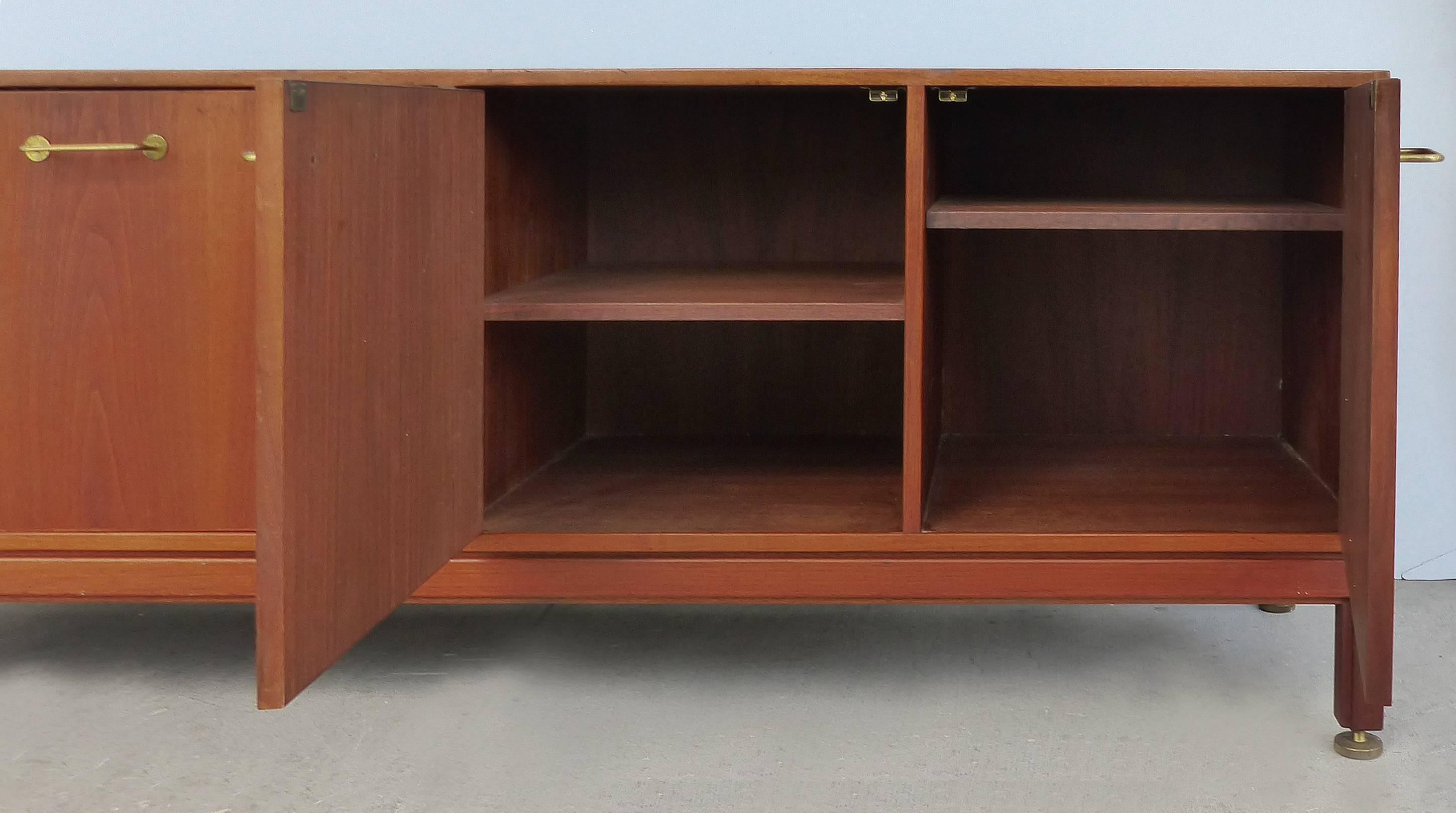 Credenza La Gi : Jens risom solid walnut four door credenza for sale at stdibs